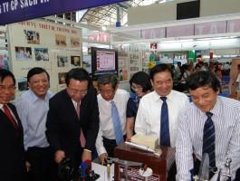 NXBGDVN với ngày hội Giáo dục phát triển TP. Hồ Chí Minh năm 2012